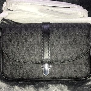 Michael Kors Large Chartlon Messenger Crossbody